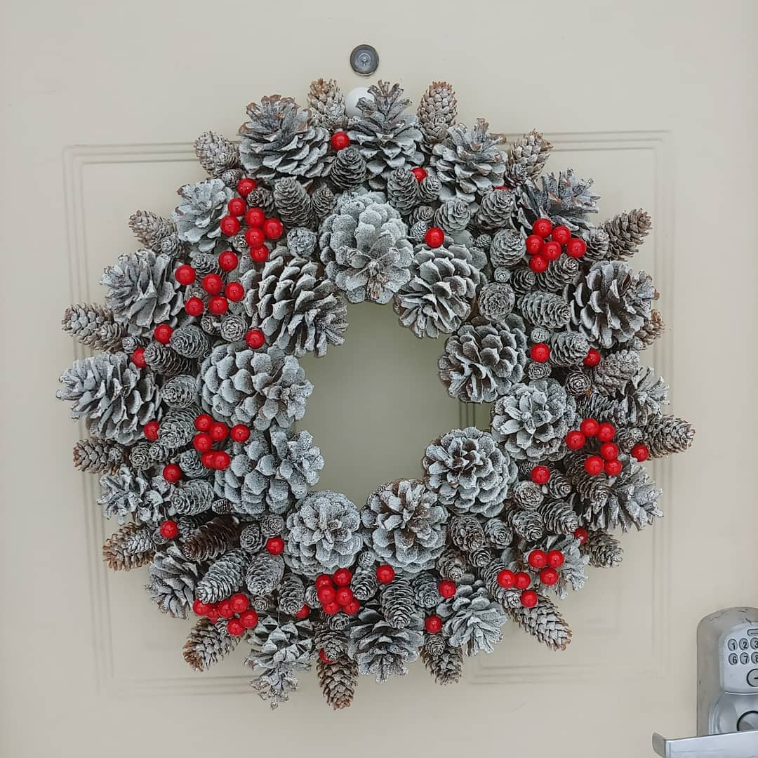 D I Y Pine Cone Wreath Tutorial Actually It S A Spruce Cone Wreath A Spring Time Project Moose Mushrooms And Mud